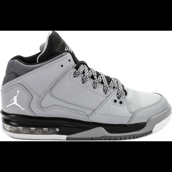 youth jordan shoes